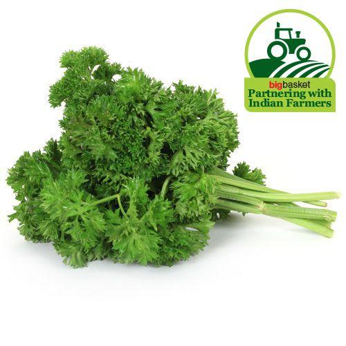 Fresho Parsley Leaves - Curly, 250 gm