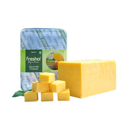 Fresho Signature Cheddar Cheese Block - Yellow, Diced, 200 g