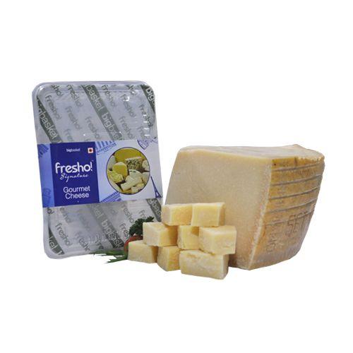 Fresho Signature Parmesan Parmigiano Reggiano Stravecchio D.O.P Cheese - Diced, 200 g