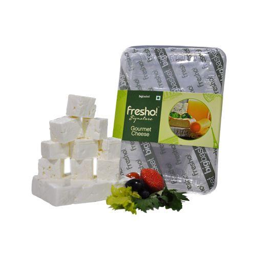 Fresho Signature Feta Greek Cheese - Diced, 100 g