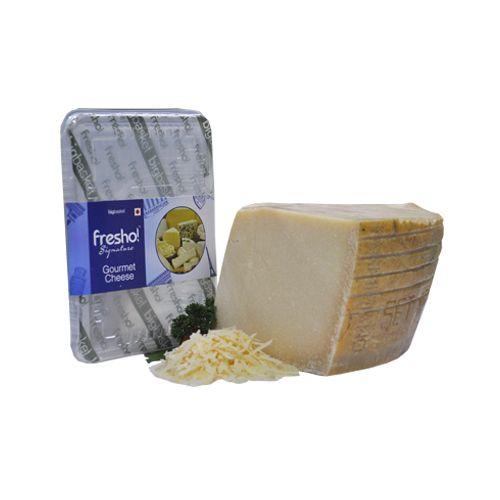 Fresho Signature Cheese - Parmesan Parmigiano Reggiano Stravecchio D.O.P, Grated, 100 gm