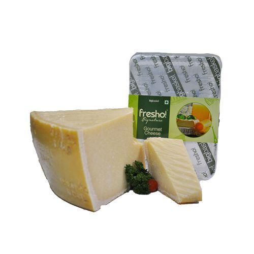 Fresho Signature Parmesan Gran Spico Cheese - Block, 100 g