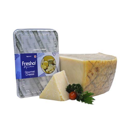 Fresho Signature Cheese - Parmesan Parmigiano Reggiano Stravecchio D.O.P, Block, 200 g