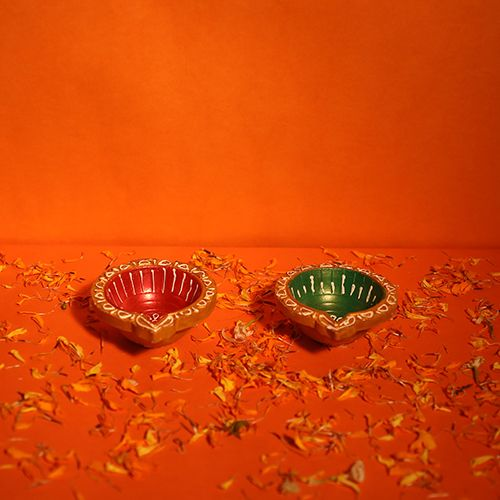 Diyaz Diya Terracotta Pooja Decorative - Round, Multicolour, 121 H, 4 pcs