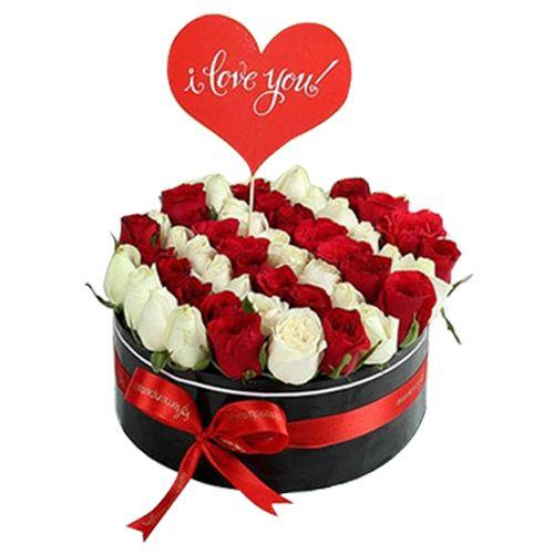 Ferns N Petals Pvt Ltd Flower Bouquet - Scintillating Roses Arrangement, 400 g