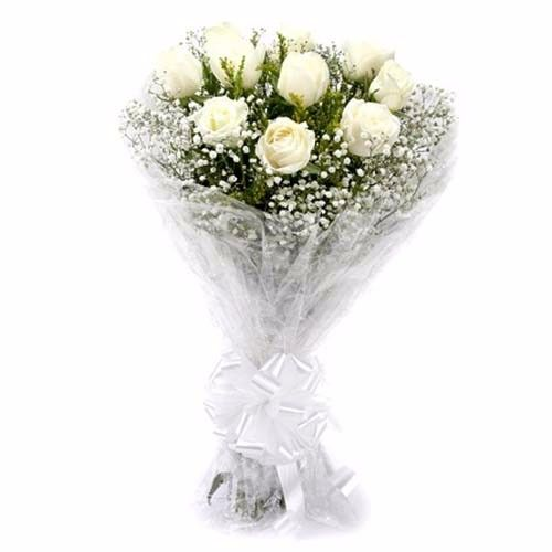 BLOOMS AND BOUQUETS Flower Bouquet - 12 Charming White Roses, 1 pc Paper Packing