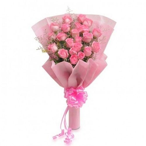 BLOOMS AND BOUQUETS Flower Bouquet - 12 Charming Pink Roses, 1 pc