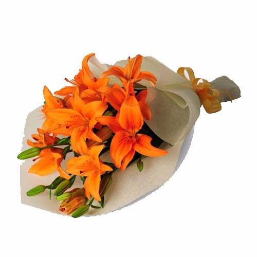BLOOMS AND BOUQUETS Flower Bouquet - 6 Orange Asiatic Lilies, 1 pc Paper Packing